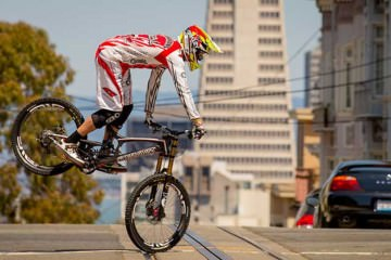 Greg Minnaar - Downhill world mountain bike champion 2013 (2)