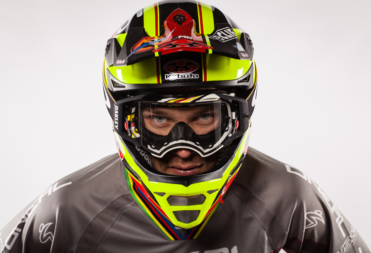 Greg Minnaar - SportStyleFashion DownHill World Champion Mountain Biker (1)