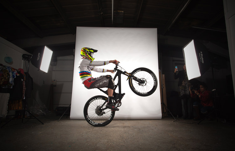 Greg Minnaar - SportStyleFashion DownHill World Champion Mountain Biker (2)