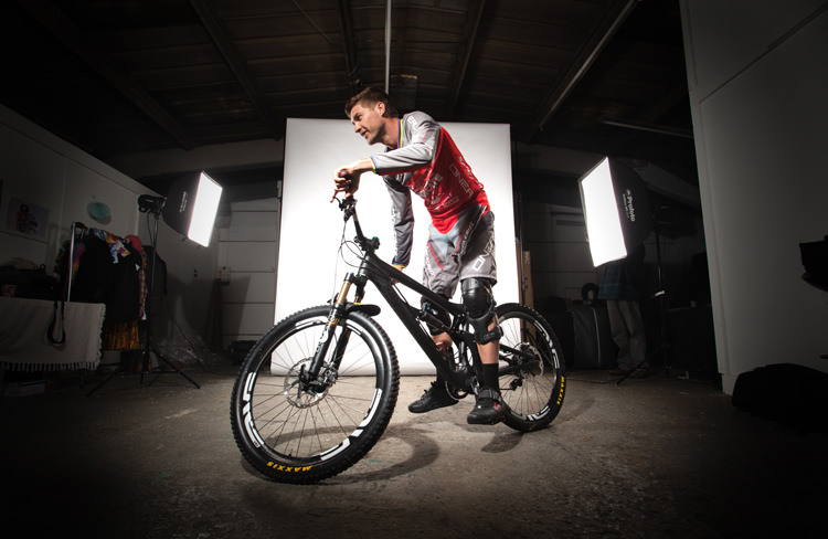 Greg Minnaar - SportStyleFashion DownHill World Champion Mountain Biker (3)