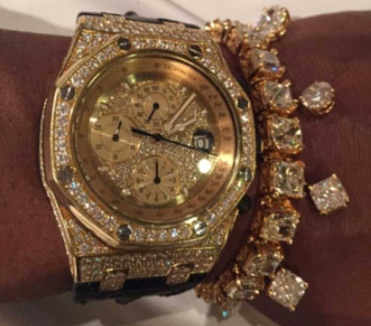 Flyod-Mayweather---Gold-diamond-watch