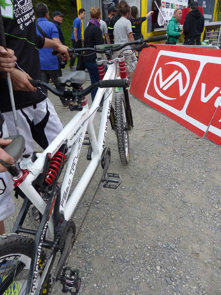 Downhill mountain biker tandem andorra 2015  (4)