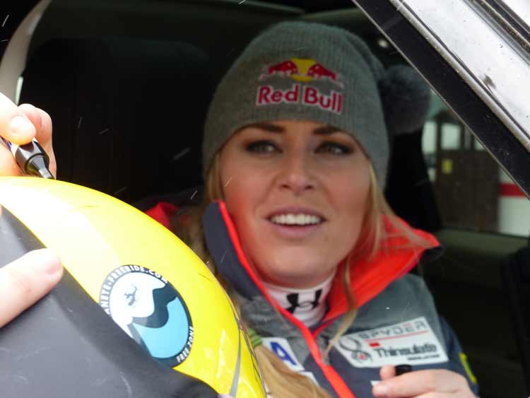 Lindsey-Vonn-Audi-Ski-World-Cup-Andorra-2016-Super-G-Shots-by-Gracie-Opulanza-(1).jpg-Signing-helmet-for-the-piolet-who-flew-her-to-hospital-after-injured-kneww